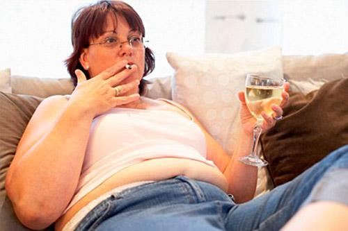 Алкоголь влияет на учащение сердцебиения у молодых людей