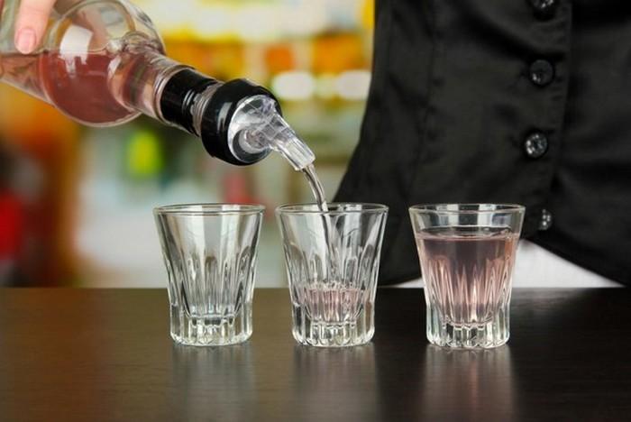 Πώς να πείτε αν βγαίνετε με έναν αλκοολικό