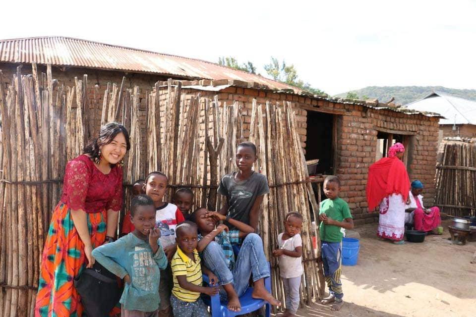 笑顔全開!超凡人女子大生がタンザニアでインターン!