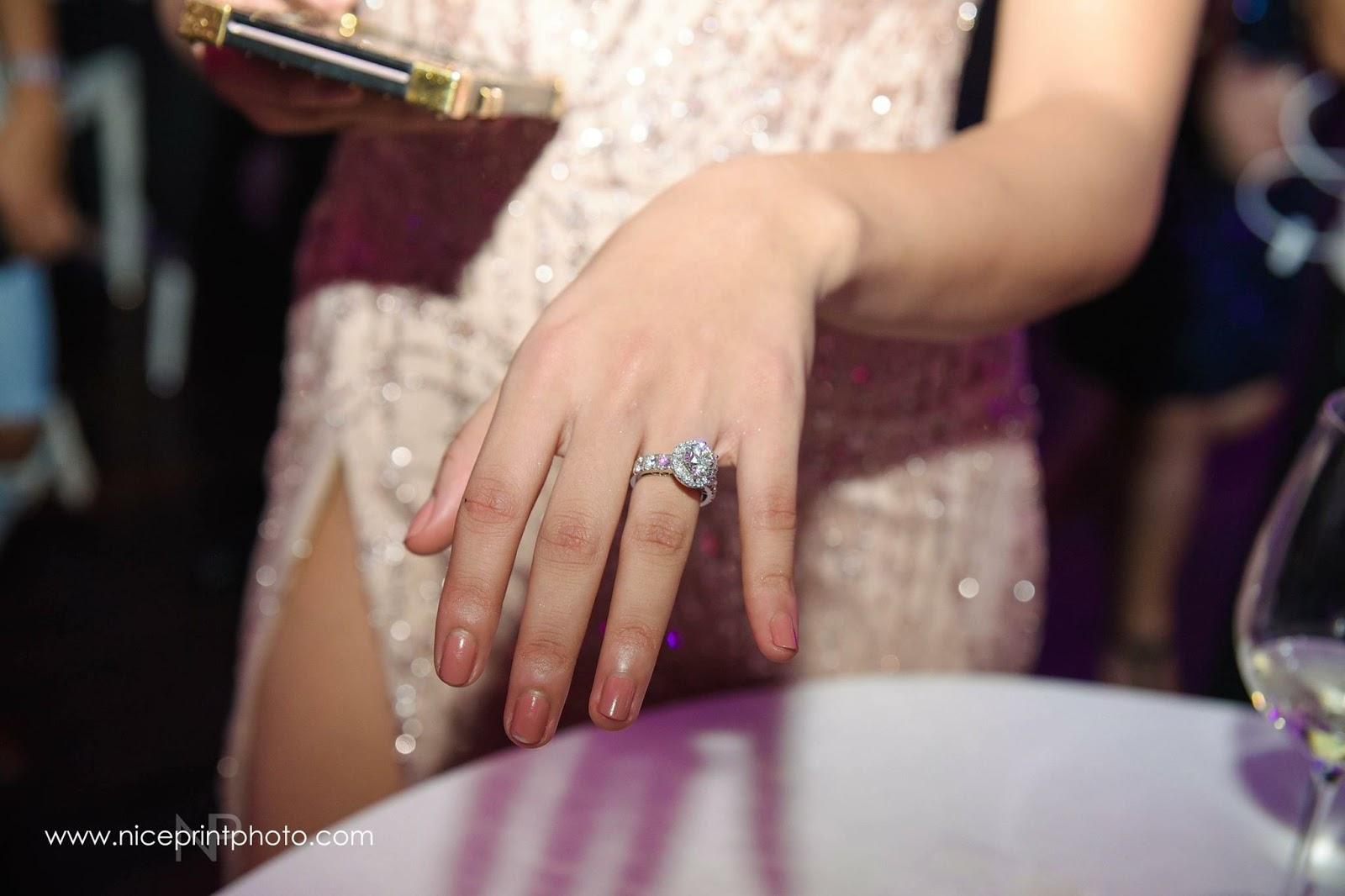Sarah Lahbati's Engagement Ring At Closer View