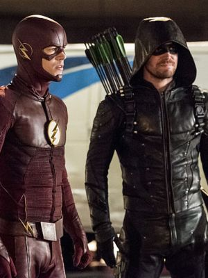 Barry and Oliver must fight against their mind-controlled teammates.