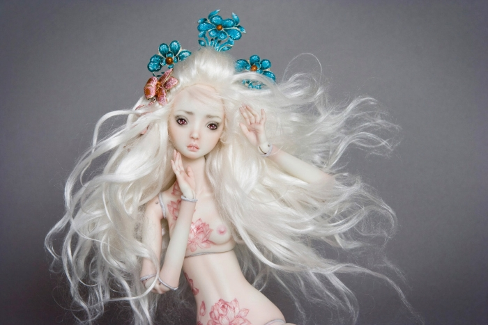 Enchanted Doll: Golden Lilly