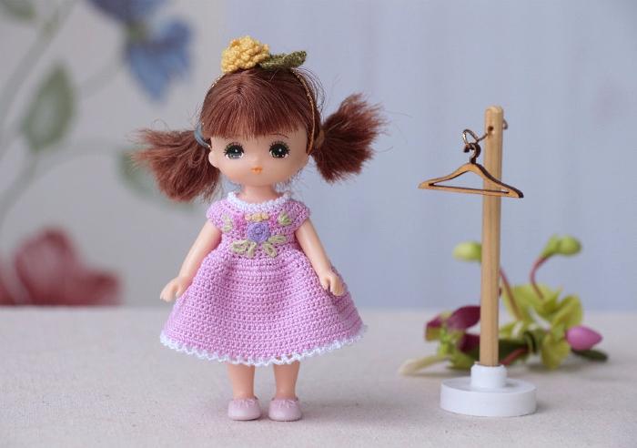 Вязанное платье для куклы
