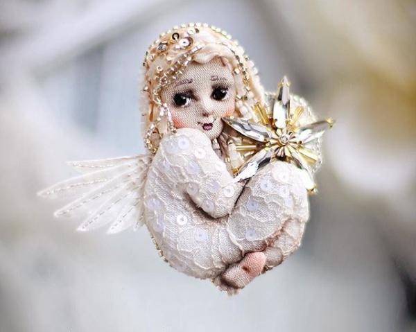 Брошь-ангелок от Julia Gorina