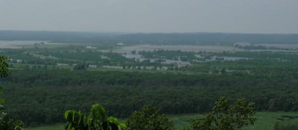 Flooding along the Big Muddy River, 28 May 2011