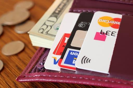 クレジットカードを複数枚用意しよう