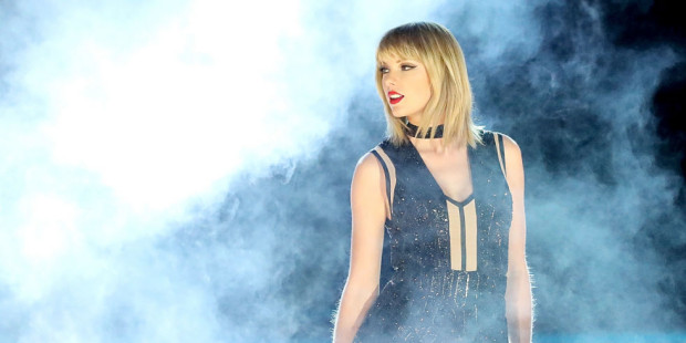 Taylor-Swift-live-on-Formula-1