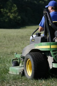 lawn mowing service in St Louis, MO