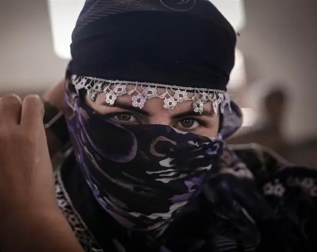 Female ISIS Fighters Scarf