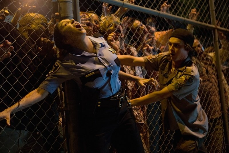https://i2.wp.com/all-that-is-interesting.com/wordpress/wp-content/uploads/2011/05/zombies-fence-cop-kid.jpg
