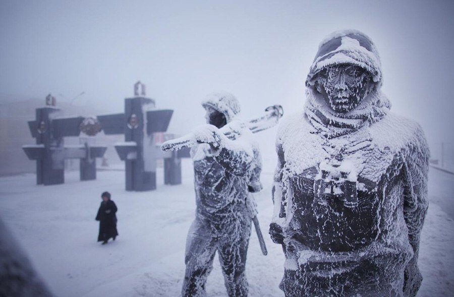 coldest city WWII statues