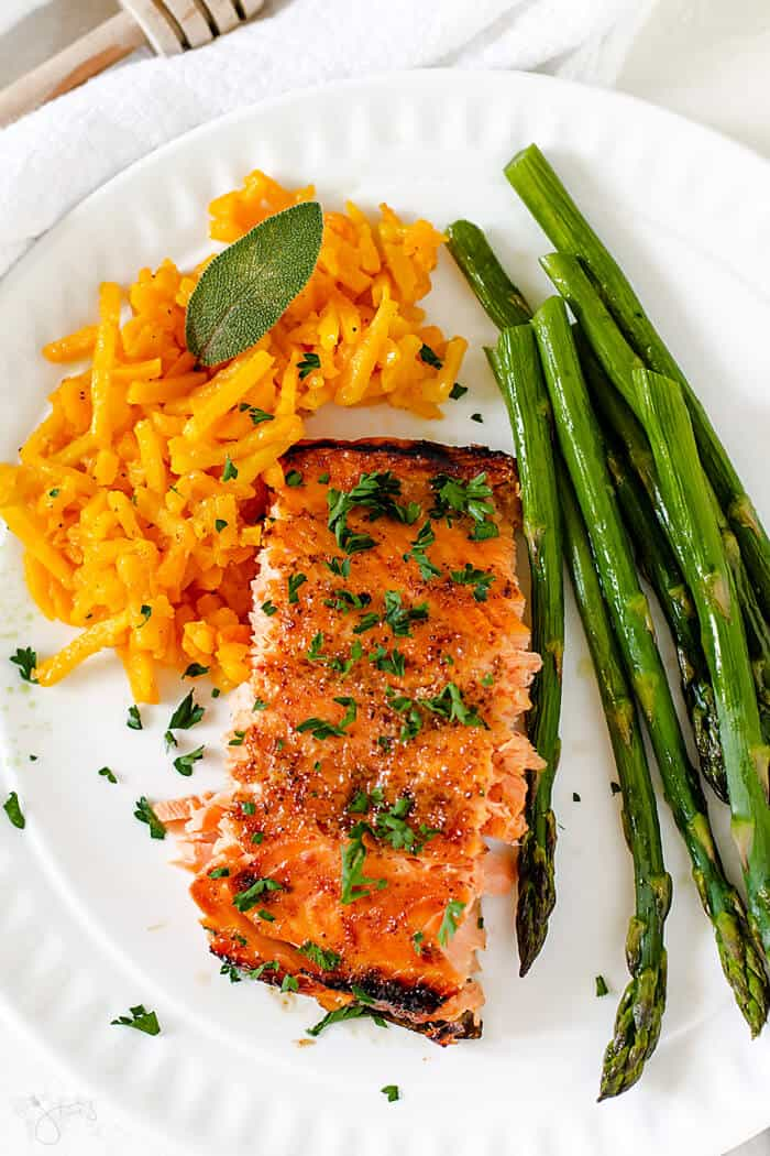 Delicious French-style salmon filet glazed with honey and mustard