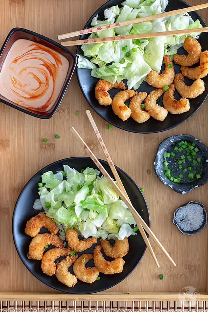 Copycat recipe for delcious bang bang shrimp with spicy sauce