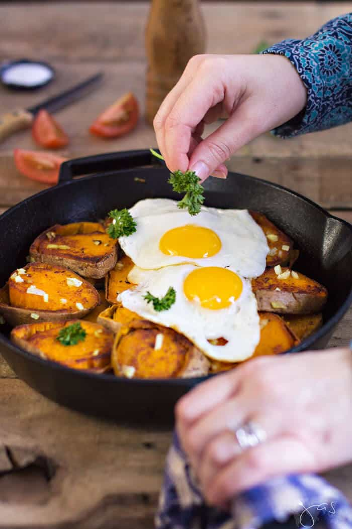 simplifying recipes from around the world - easy German pan-fried potatoes and eggs - All that's Jas