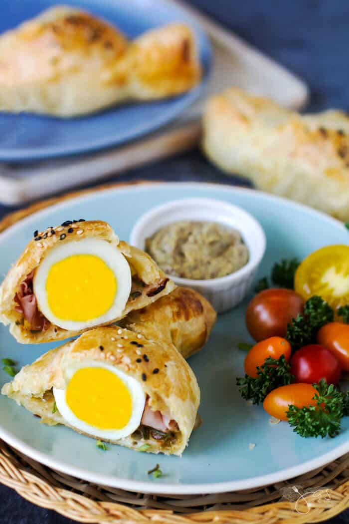 Slovenian puff pastry stuffed with eggs, ham, and cheese is a delicious and decorative Easter dish.
