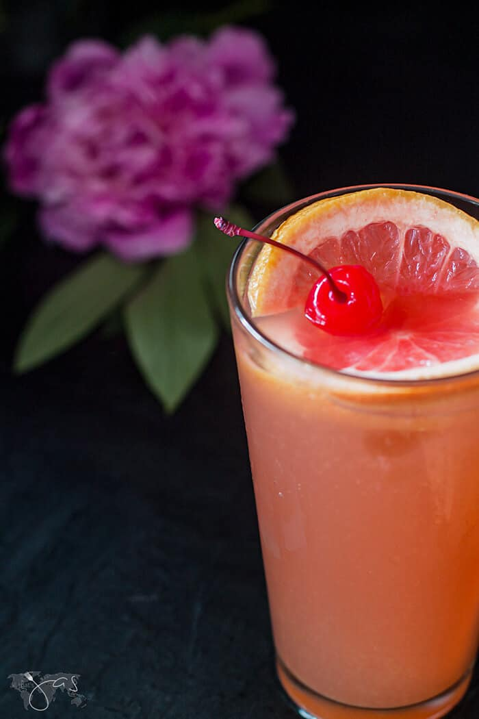 How to make Tequila Sunrise drink with grapefruit