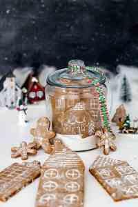 Snow Globe German Gingerbread Cookie Village   allthatsjas.com