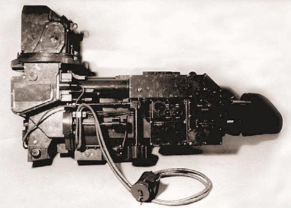 Комбинированный танковый прицел ТПНБ-1-22