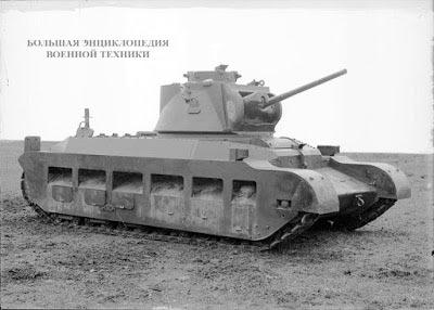 Первый опытный образец Infantry Tank A12E1, лето 1938 года. Выхлопные трубы были вынесены максимально вверх, чтобы увеличить глубину преодолеваемого брода