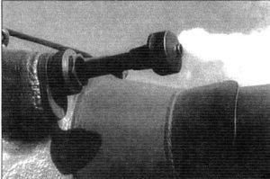 Установка-спаренного-с-орудием-пулемета-ДШК-в-маске-орудия-танка-Т-10М-1