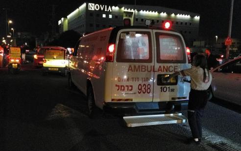 רוכב אופנוע נפצע קשה מרכב בחיפה