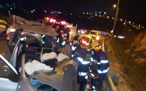 אישה נהרגה ו-4 נפצעו בינוני וקל בתאונה בכביש 446
