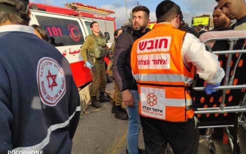 הר חברון: 10 פצועים מתוכם 2 קשה בתאונה עם מעורבות משאית שהובילה פרות ושני כלי רכב