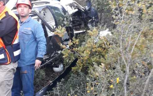 תיעוד: מסוק של חברת חשמל התרסק על צלע הר מירון – הטיס נפצע קל
