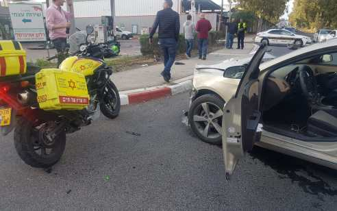 רוכב אופנוע נפצע קשה ונהג רכב קל בתאונה בחיפה