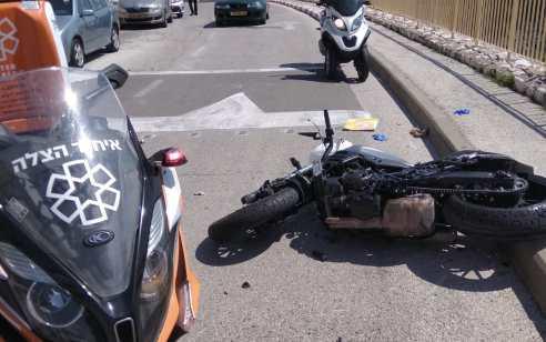 ירושלים: רוכב אופנוע נפצע בינוני בתאונה בשכונת רמות