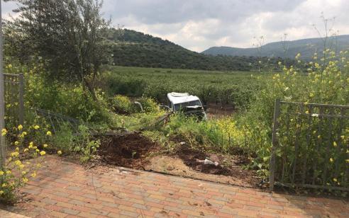רכב ההסעות החליק לתעלה – שלושה נפצעו בינוני וקל