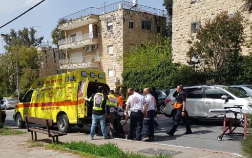 אדם חולץ במצב אנוש מדירה בוערת בירושלים – בבית חולים נקבע מותו