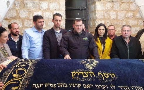 5 חכים חדשים של הליכוד והבית היהודי נכנסו הלילה עם ראש מועצת שומרון לקבר יוסף שבשכם