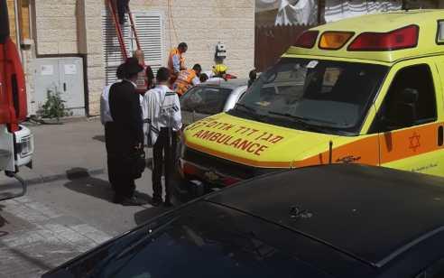 פועל נפל מגובה באתר בניה בבית שמש – מצבו בינוני