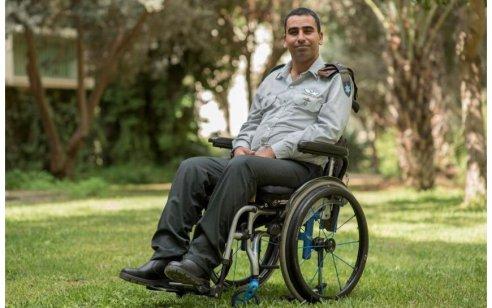 """אל""""מ שי סימן טוב שנפצע אנושות בצוק איתן ונותר משותק ידליק משואה ביום העצמאות ה-71 של מדינת ישראל"""