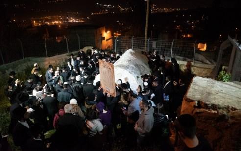 כ-400 מתפללים נכנסו לכפר עוורתא לקברות איתמר אלעזר ושבעים זקנים
