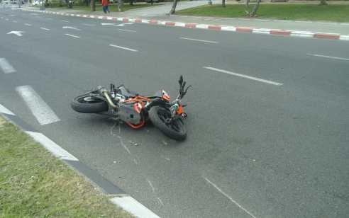רוכב אופנוע נפצע בינוני ונהג רכב קל בתאונה בכביש 762 סמוך לרכסים