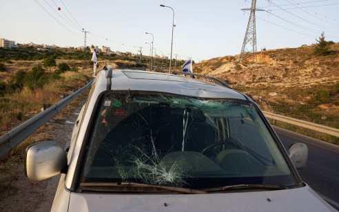טרור האבנים: פצוע קל בפיגוע אבנים בצומת העוקפים