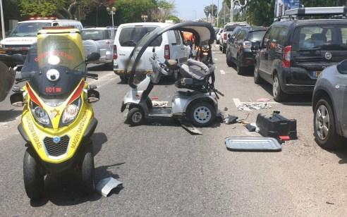נהגת קלנועית בת 75 נפצעה קשה בתאונה עם רכב בנהריה