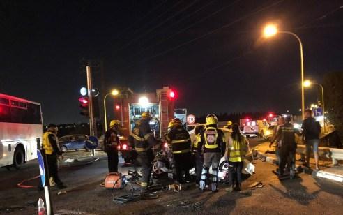 תאונה קטלנית בכביש 6: הרוג כבן 20 בתאונה בין אוטובוס לרכב במחלף אייל