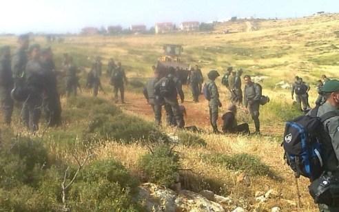 מאות שוטרים הורסים מבנים בגבעות בנימין