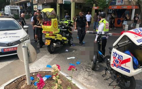 הולכת רגל בת 51 נפגעה ממשאית בגבעתיים – מצבה בינוני