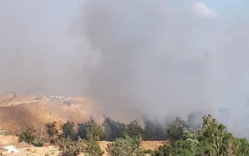שבעה צוותי כיבוי בסיוע ארבעה מטוסים פועלים בשריפת קוצים גדולה בבית שאן
