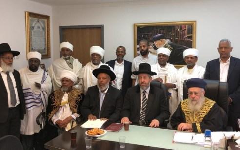 סוף למחאה: הרבנים הראשים וראשי העדה האתיופית סיכמו על סיום המחאה האלימה