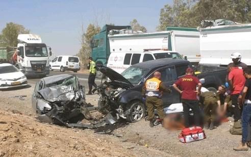 הרוגה כבת 50 ושני פצועים קל בתאונה בין שני רכבים בכביש 264 צומת משמר הנגב