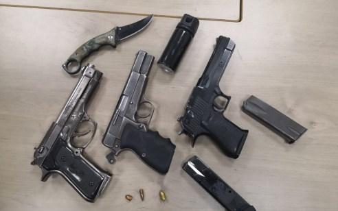 במהלך סוף השבוע נעצר צעיר ערבי תושב מזרח ירושלים שבביתו נתפס 'נשק חם' ו 2 נשקי 'אייר סופט'