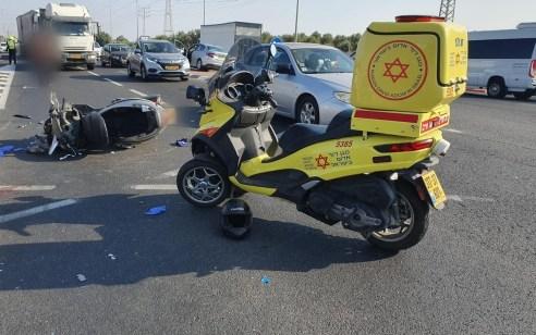 רוכב אופנוע כבן 18 נפגע מרכב בכביש 40 בכניסה לנחלים – מצבו בינוני