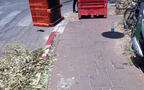 גנבו דולבים לאחסון מזון שהונחו בנקודות חלוקה לנזקקים ונתפסו על חם
