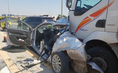 טרגדיה בכביש 7: אם ופעוט בן חודשיים נהרגו בתאונת בין משאית לרכב בסמוך למחלף בית רבן