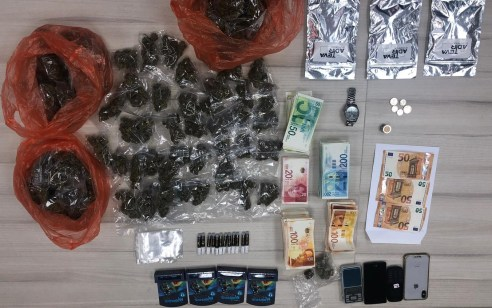במסגרת פעילות נגד הסמים והפצתם – נעצרו חשודים בסחר בסם ונתפסו עשרות אלפי שקלים